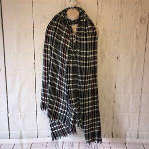 Black & white oversized scarf